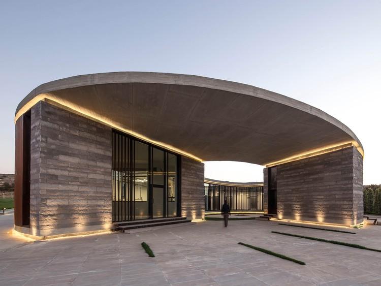 The Farm of  38° 30° / Slash Architects + Arkizon Architects, © Alp Eren - ALTKAT Architectural Photography