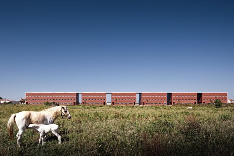 Student Residences / Adalberto Dias, © Fernando Guerra | FG+SG