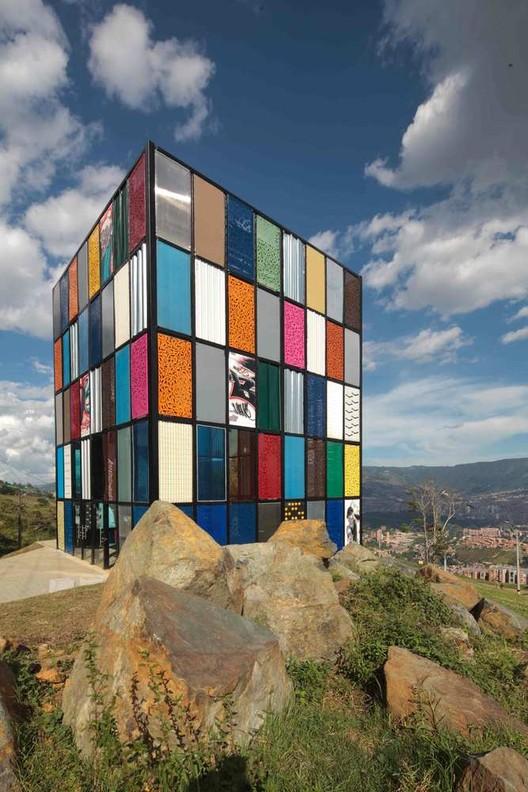 Pabellón Desconectado / Plan:b arquitectos. Image © Sergio Gómez