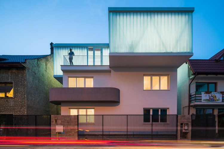 House E / EXHIBIT Arhitectura, © Cosmin Dragomir