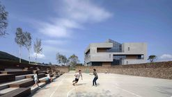 Youth Community Center / META-Project