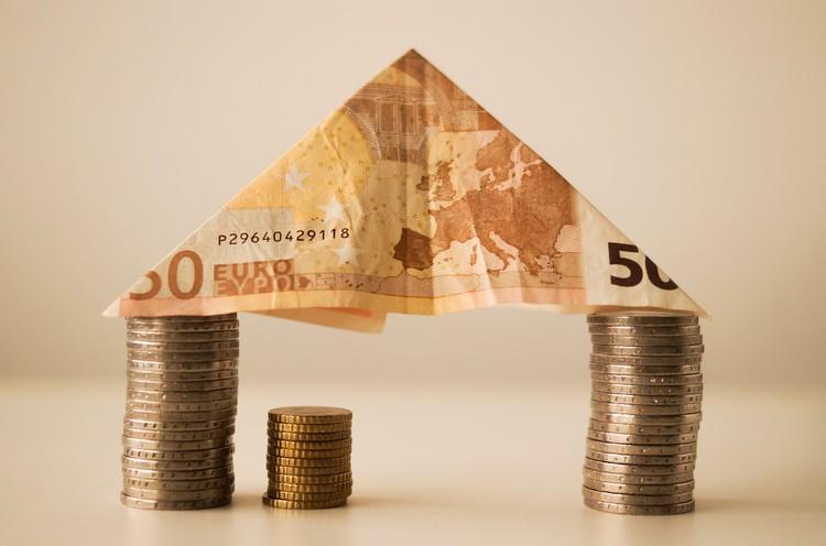 How To Earn A Six-Figure Salary as an Architect, © Skitterphoto via Pixabay (Public domain image)