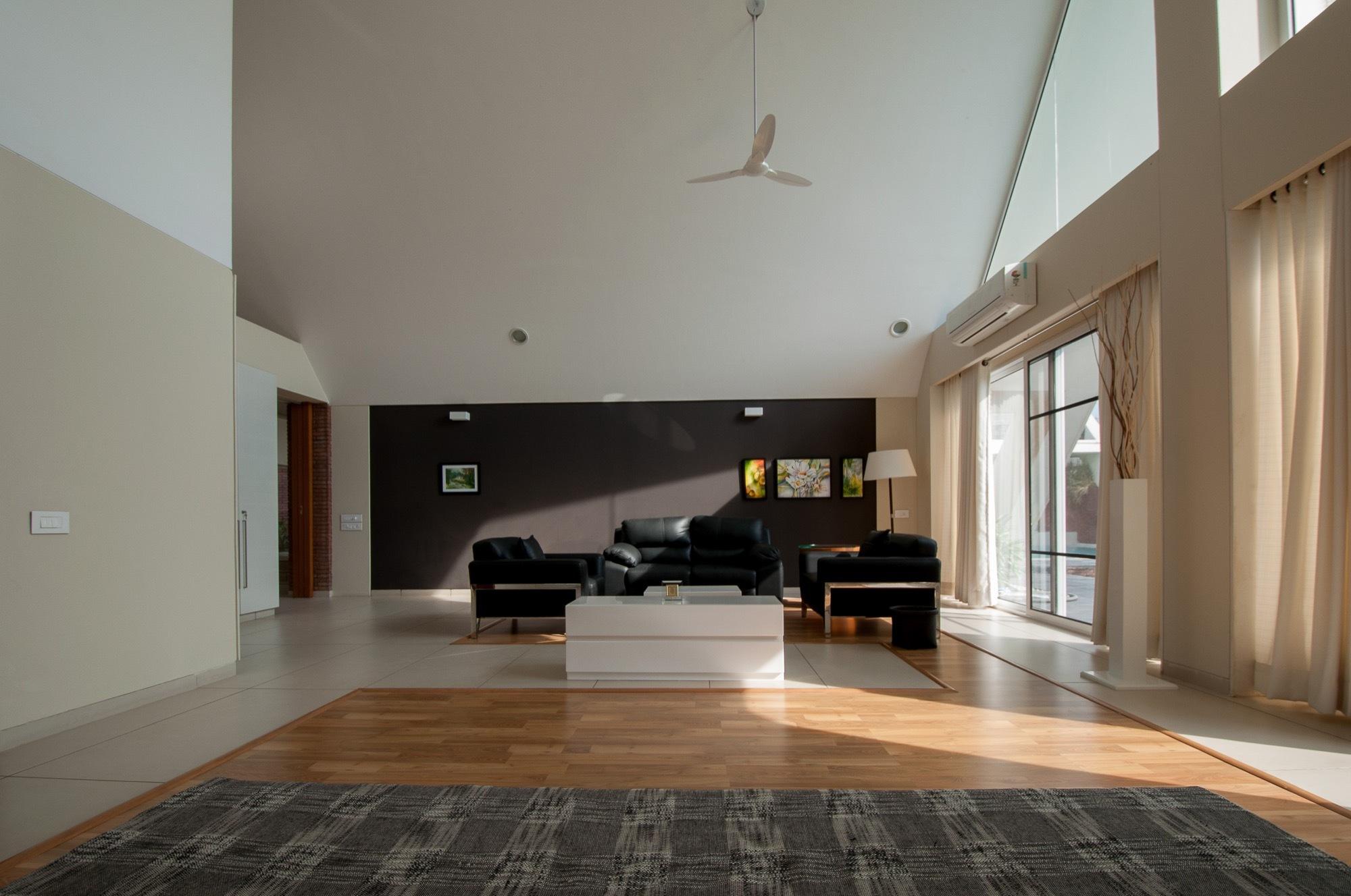 gallery of the apex house design buro architects 9. Black Bedroom Furniture Sets. Home Design Ideas