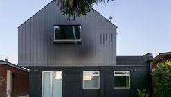 Sawhorse House / Alejandro Soffia