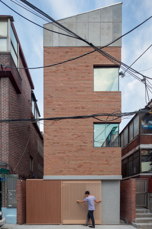 Grown House  / FHHH FRIENDS, © Kyung Roh