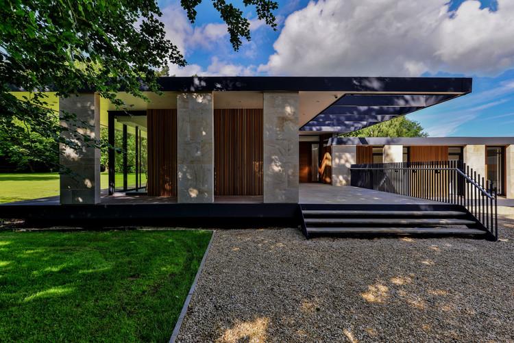 Skywood House / Nick Baker Architects, © Hamish Park