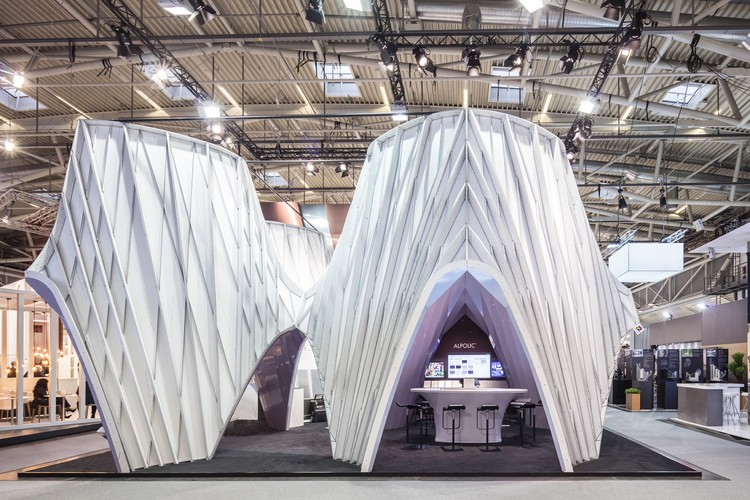 UNStudio Erects Pearlescent Structure at World's Leading Architectural Trade Fair, © Laurian Ghinitoiu