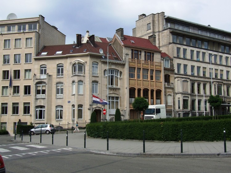 Courtesy of Wikimedia user Koenvde (Public Domain)