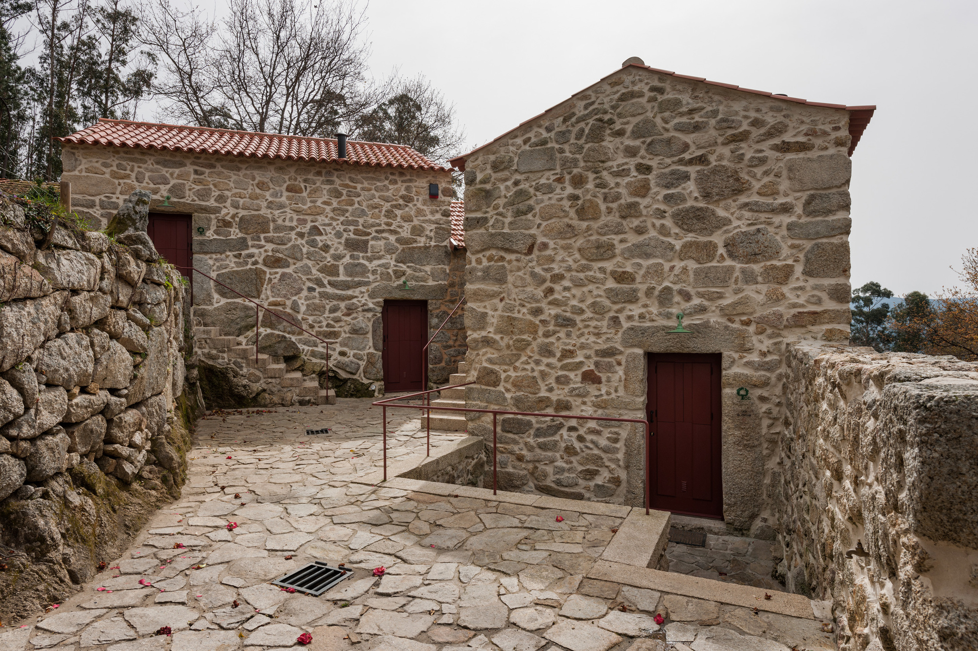 Gallery of rural houses refurbishment in trebilhadouro for Homes by andre