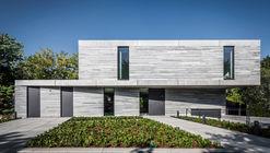 Residência Cologne Hahnwald  / Corneille Uedingslohmann Architekten