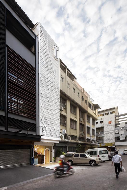 Bed One Block Hostel / A MILLIMETRE, © Jirayu Rattanawong