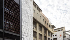 Bed One Block Hostel / A MILLIMETRE
