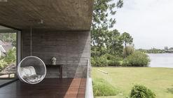 Casa en Arroio Pelotas  / Rmk! Arquitetura