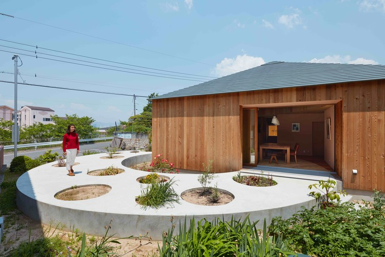 House in Mukainada  / FujiwaraMuro Architects, © Toshiyuki Yano