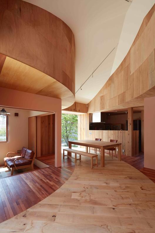 House in Mukainada / FujiwaraMuro Architects | ArchDaily