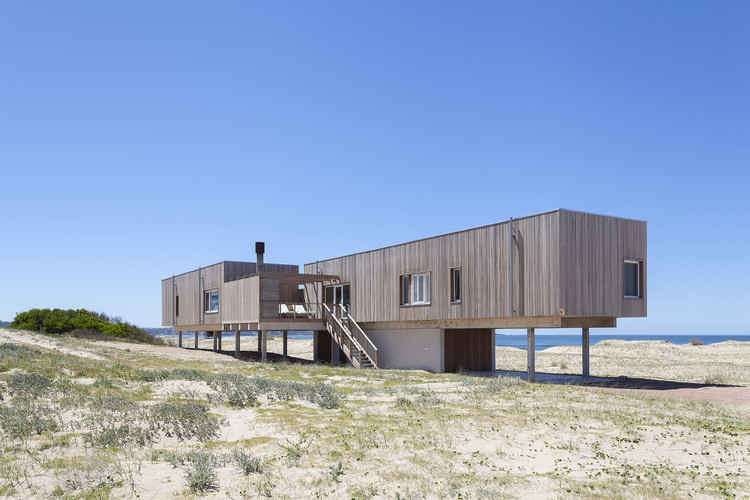 Beach House Chihuahua / Colle-Croce + Mariana Kusenier, © Javier Agustín Rojas
