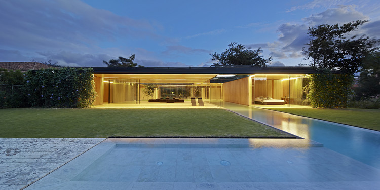 INOUT house. Image Courtesy of Wood Design & Building Awards