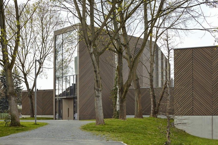 Immanuel Church and Parish Centre. Image Courtesy of Wood Design & Building Awards