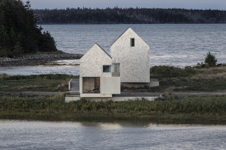 Point House. Image Courtesy of Wood Design & Building Awards