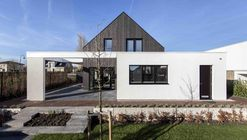 Out of the Box / Arjen Reas Architects + Van Voorden Architecture