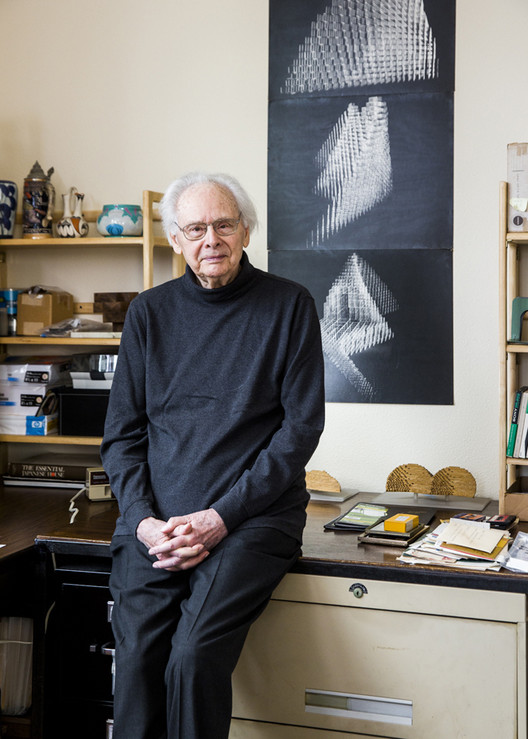 The architect and educator Ralph Knowles at home. Image © Brian Guido