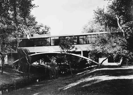 clsicos de casa sobre el arroyo amancio williams va wikipedia user