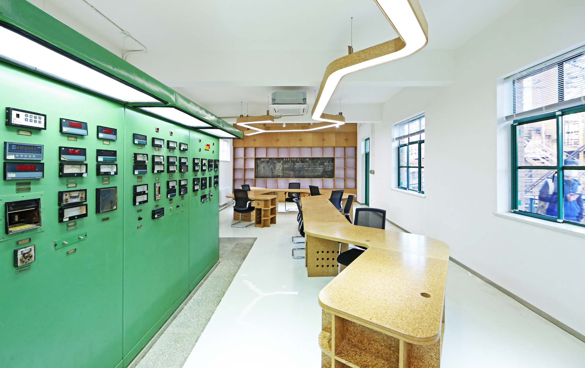 751 Creative Industrial Office Design Hypersity Office