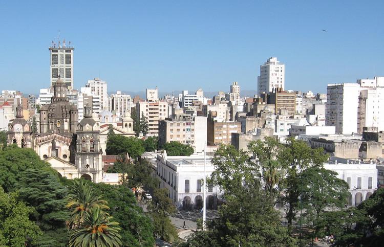 Guía de arquitectura en Córdoba: 15 sitios que todo arquitecto debe visitar, vía © Wikipedia User: Cambalachero Licensed under Public Domain