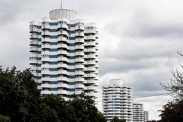 "Housing complex ""Kukuruza"" (Corn), by architect Vladimir Pushkin, 1982. Minsk, Belarus. Image © Stefano Perego"