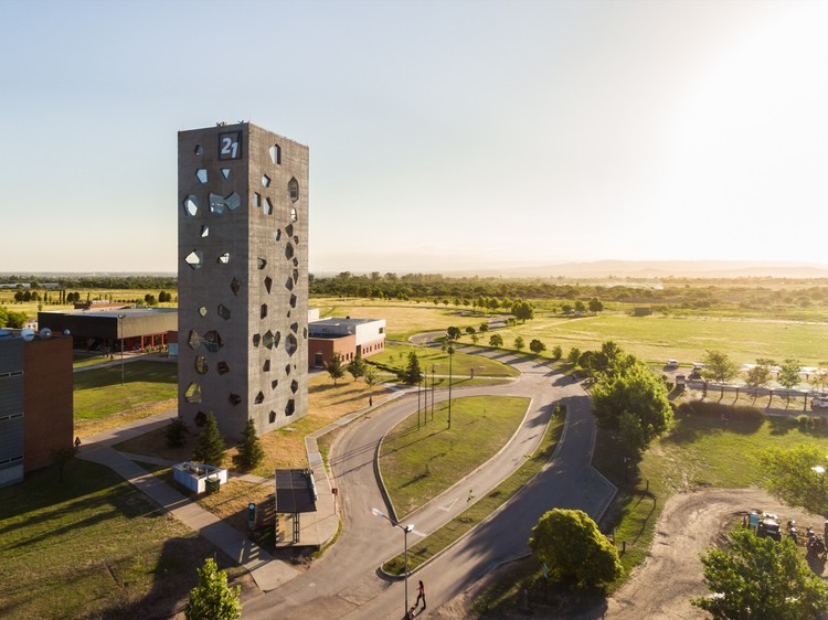 Experimenta 21 Tower / MORINI Arquitectos, © Gonzalo Viramonte