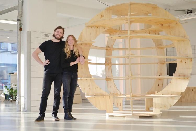 Mads-Ulrik Husum y Sine Lindholm, diseñadores de Growroom. Image © Niklas Vindelev. Via Space10
