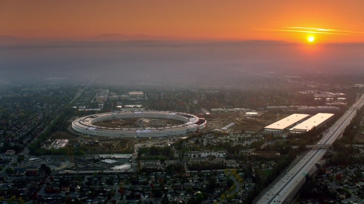 Impresionante Campus de Apple de 26.000 m2 abre sus puertas en abril, © Apple via screenshot from video