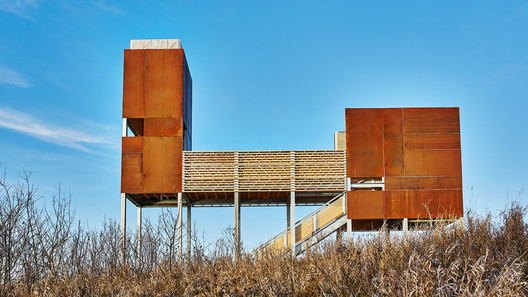 Viewing platform. The platform represents a singular cultural heritage of dual origins. The Métis are descendants of those born of indigenous and European (typically French) peoples.Image © Peter Lawrence