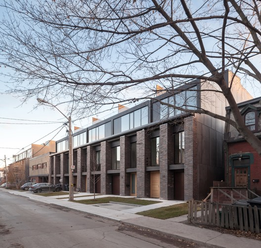 Riverdale Townhomes / Studio JCI