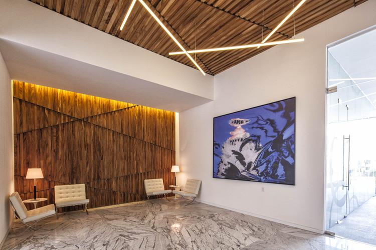 Edificio de oficinas Sagredo  / Pascal Arquitectos, © Yoshihiro Koitani