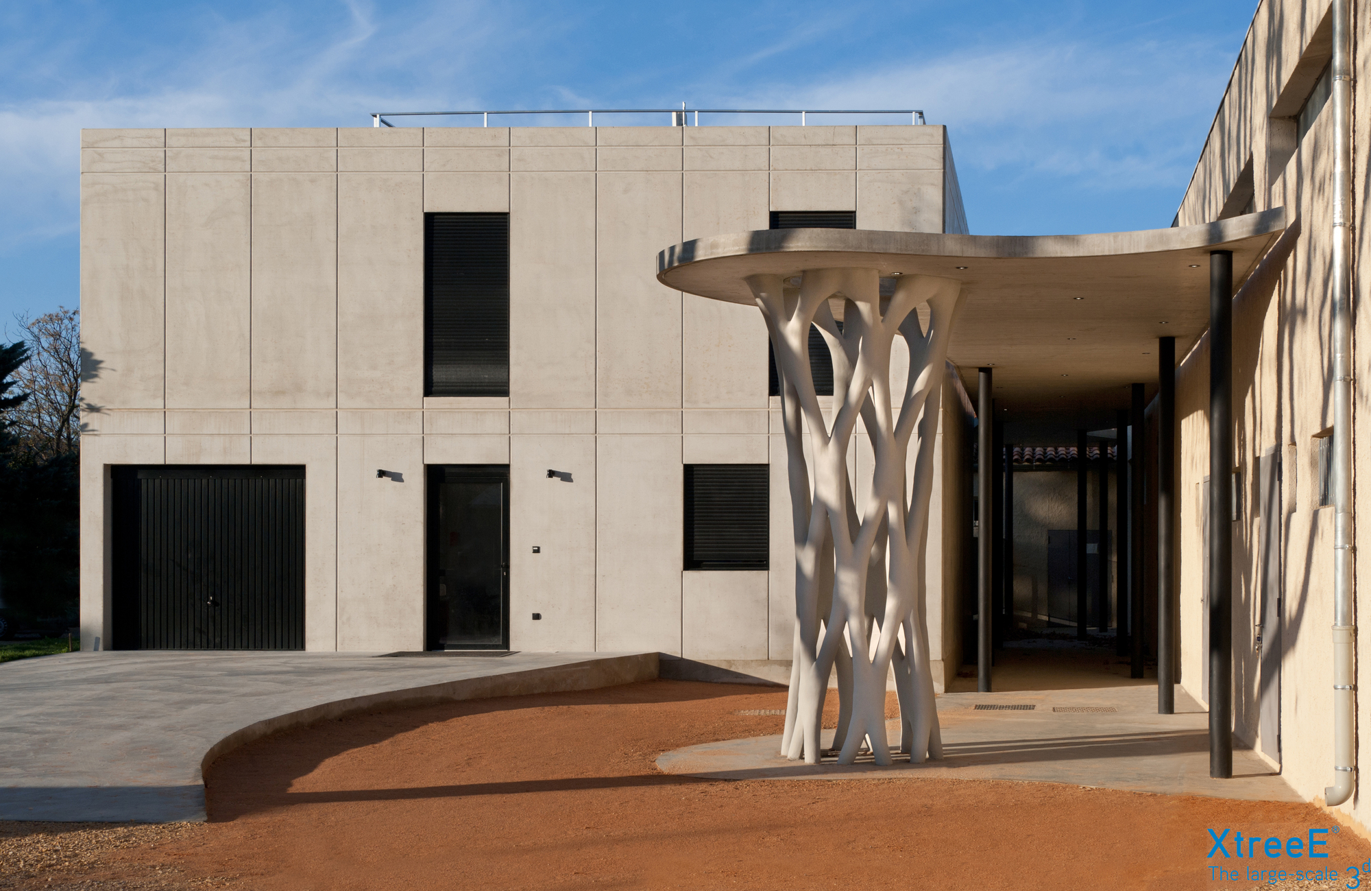 This Complex Concrete Column Was Made Using 3D-Printed