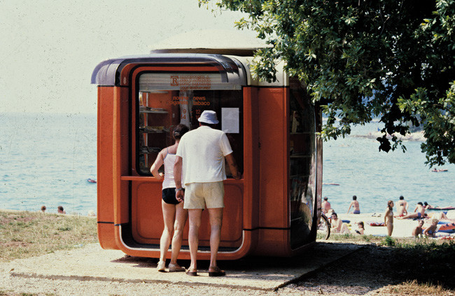 Kiosk K67 as Tobacco and Newspaper Stand. Image Courtesy of Museum of Architecture & Design, Ljubljana