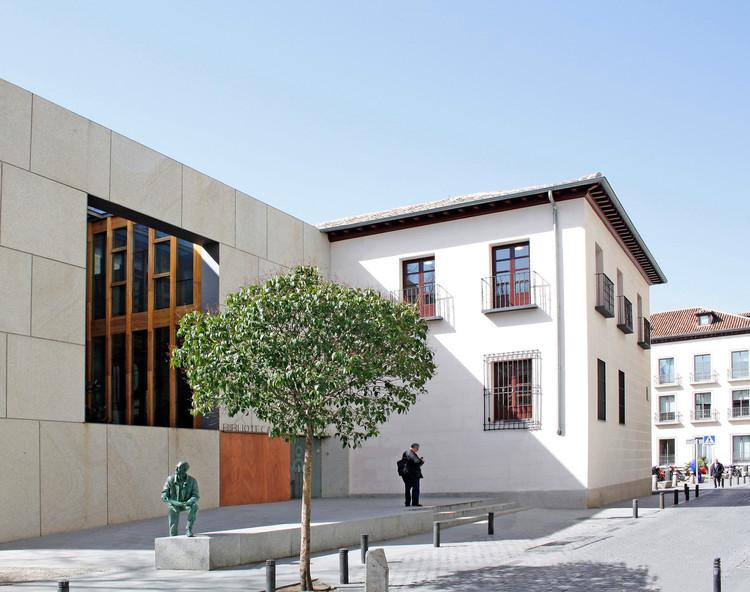 """Biblioteca Pública """"Iván de Vargas"""" / ESTUDIO ANDRADA ARQUITECTURA, © Miguel de Guzmán"""