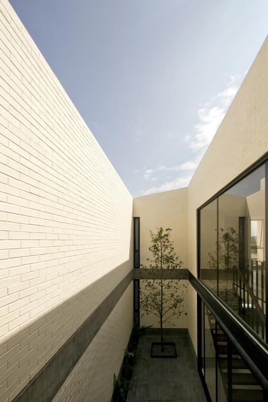 Casa Zirahuén / Intersticial Arquitectura, © Marcos Betanzos