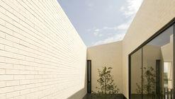 Zirahuén House / Intersticial Arquitectura