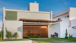 Casa em Intermares / Manoel Farias Arquitetura