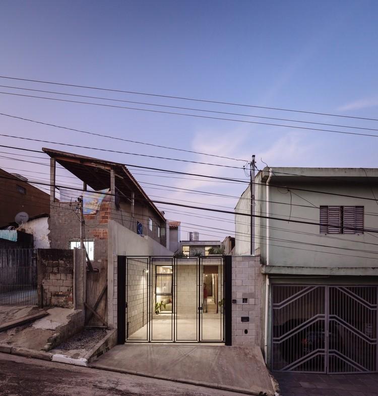 Casa Vila Matilde / Terra e Tuma Arquitetos Associados. Vencedor da categoria Casas 2016. Image © Pedro Kok