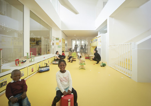Guardería en Toulouse / V2S architectes + OECO Architectes