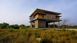 Cuartel para personal en el Parque eólico de Jaffna / Palinda Kannangara Architects