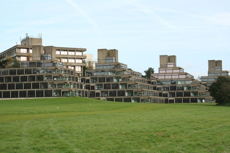 The University of East Anglia, designed by Denys Lasdun. Image © <a href='https://www.flickr.com/photos/martinrp/383955205'>Flickr user martinrp</a> licensed under <a href='https://creativecommons.org/licenses/by-nd/2.0/'>CC BY-ND 2.0</a>