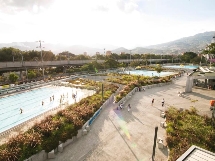 Complejo Acuático / LCLA (Medellín, Colombia). Image Cortesía de Landscape as Urbanism in the Americas