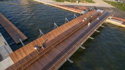 Puente peatonal y espacio recreativo Bostanlı / Studio Evren Başbuğ