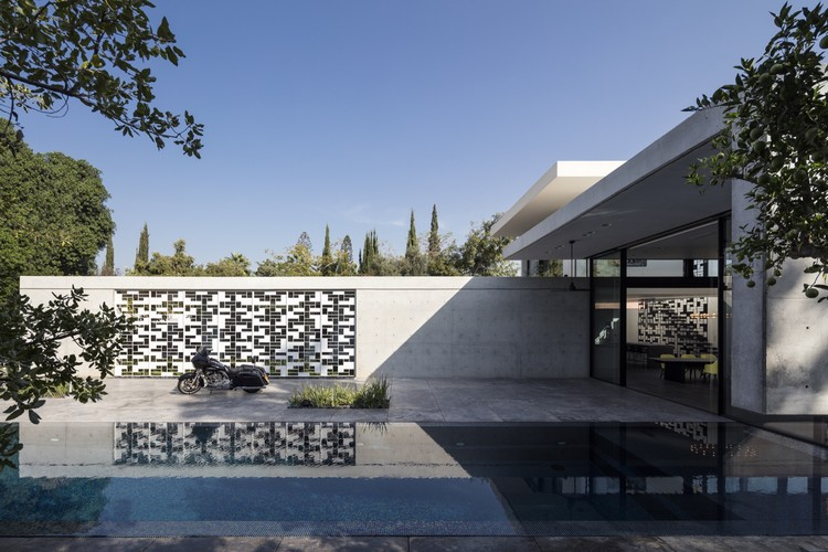 AB House / Pitsou Kedem Architects, © Amit Geron