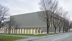 Balzers Sports Hall Renovation  / BBK Architekten