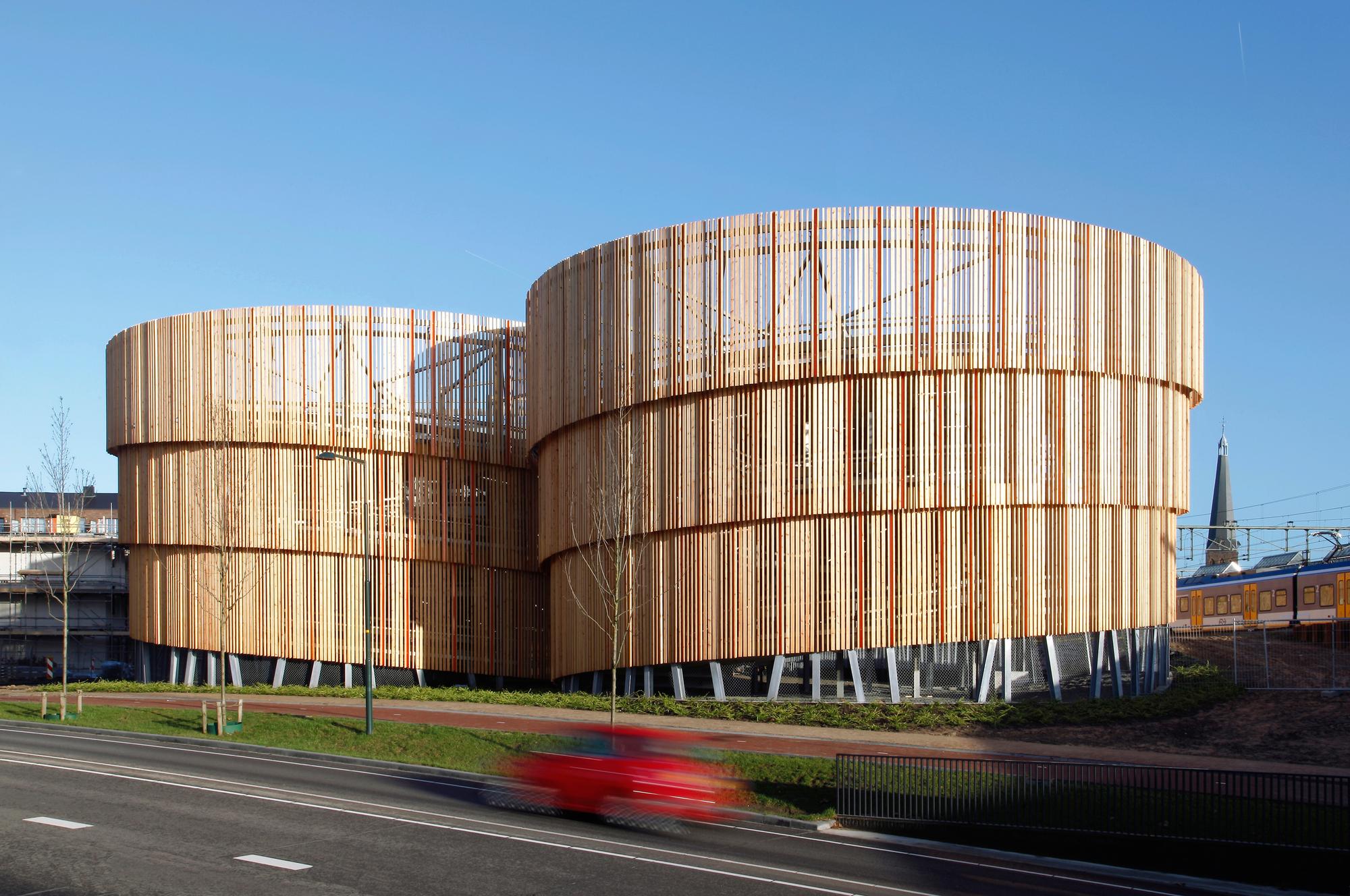 P r car park zutphen moederscheimmoonen architects for Accesos arquitectura